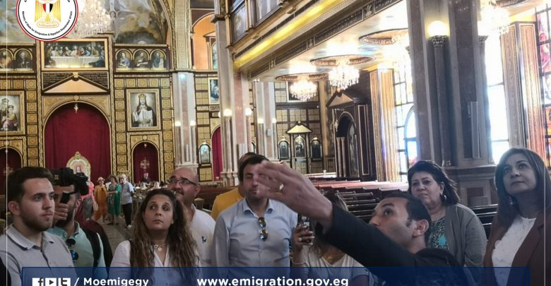 وزيرة الهجرة تزور مسجد الصحابة وكنيسة السمائيين